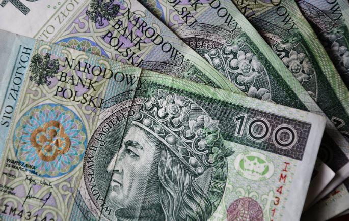 Polacy ponoszą opłatę na potęgę. Nawet nie wiedzą, że wielu z nich nie musi płacić