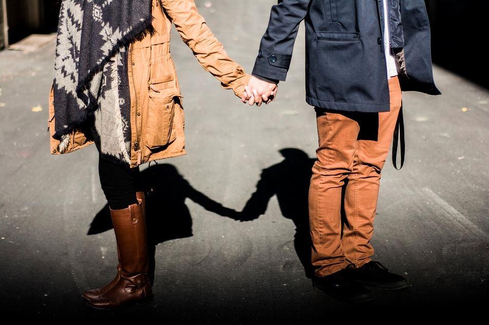 Po 20 latach małżeństwo w końcu się rozwiodło. Nikt nie może uwierzyć, co zrobiła żona po rozprawie
