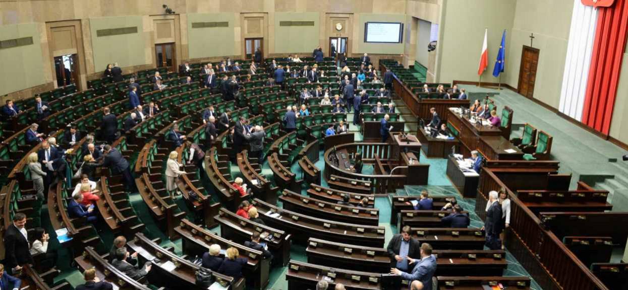 Polski polityk pilnie trafił do szpitala. Jest zakażony, opublikowano ważną prośbę
