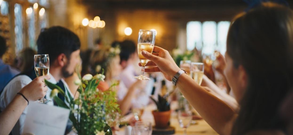 Jesteś teraz lub wybierasz się na wesele? Fatalna informacja, możesz spodziewać się kłopotów
