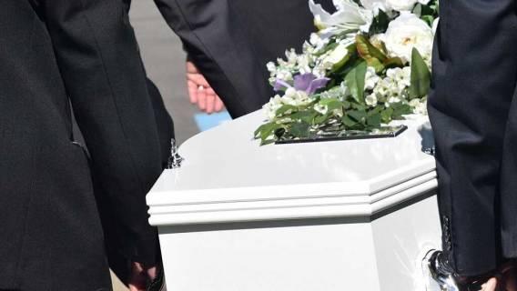 pogrzeb niebywałe sceny
