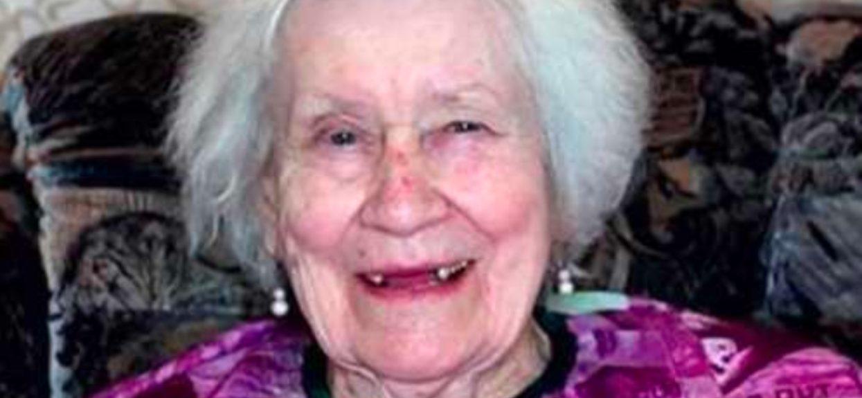 Zrobiła makijaż 87-letniej babci. Efekt przeszedł wszelkie oczekiwania, wygląda jak fotomodelka