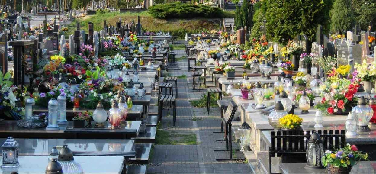 Ogromna ilość ofiar, rządzący biją na alarm. Za miesiąc skończy się miejsce na cmentarzu