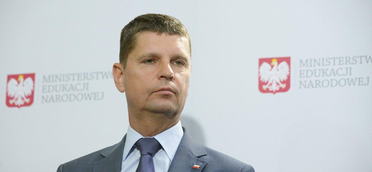 Dariusz Piontkowski nie mógł dłużej ukrywać, rodzice będą oburzeni. Wszystko w dzień rozpoczęcia szkoły