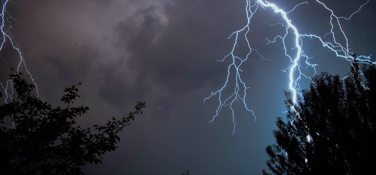 Już się zaczęło, burze wkroczyły do Polski. Kolejne godziny będą ciężkie
