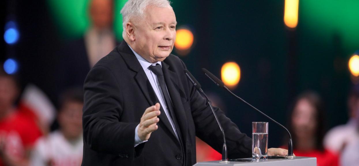 """Była jedną z """"kobiet Kaczyńskiego"""". Właśnie przerwała milczenie, ujawniła, co robił w tajemnicy"""