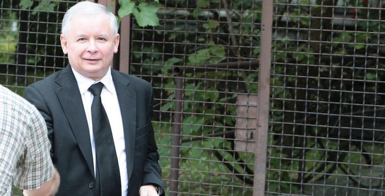 Niebywałe sceny pod domem Jarosława Kaczyńskiego. Zdjęcia wszystko ujawniają