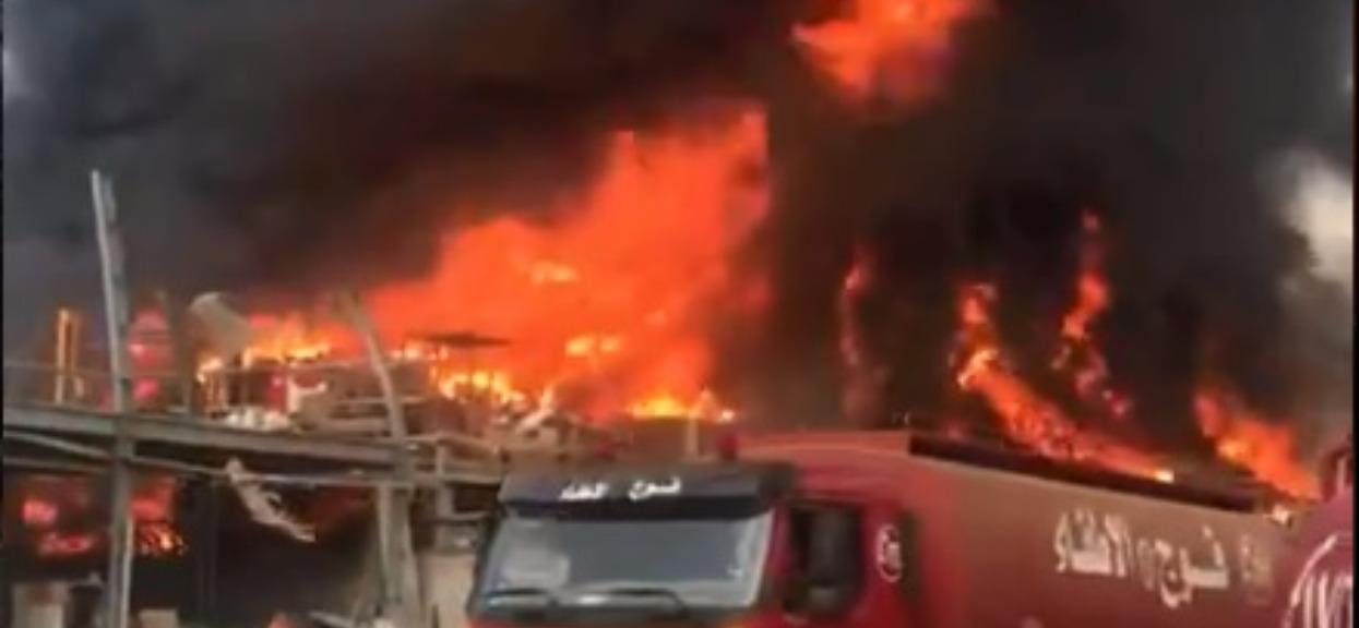 Ogromny pożar na miejscu niedawnej tragedii. Dym widać z wielu kilometrów