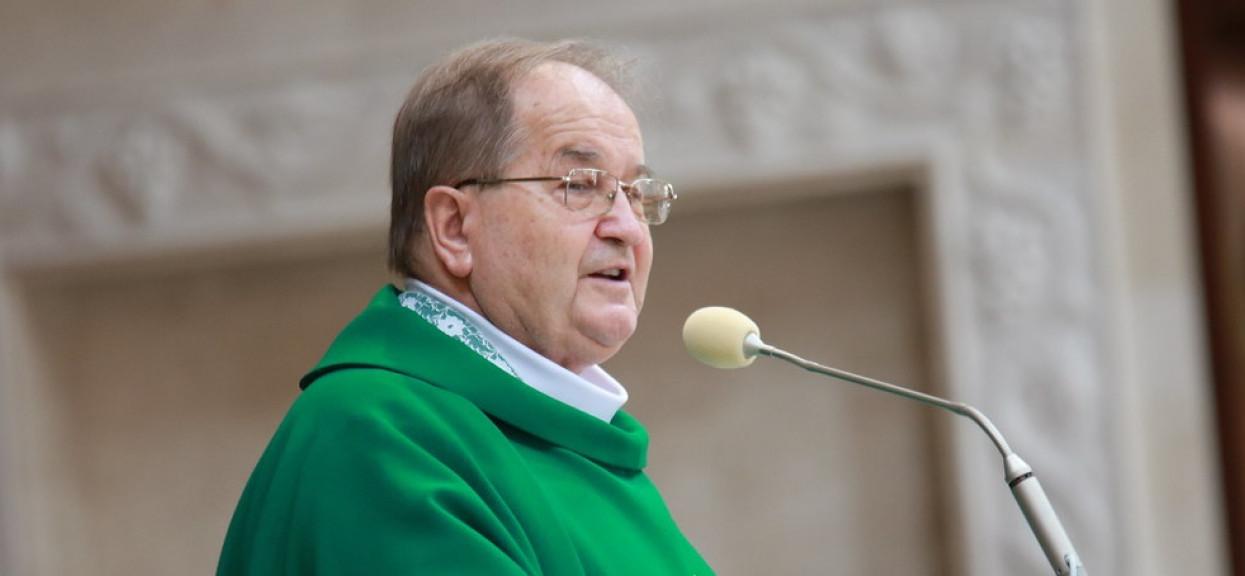 Biskup wpadł we wściekłość u Rydzyka. Poszło o alkohol