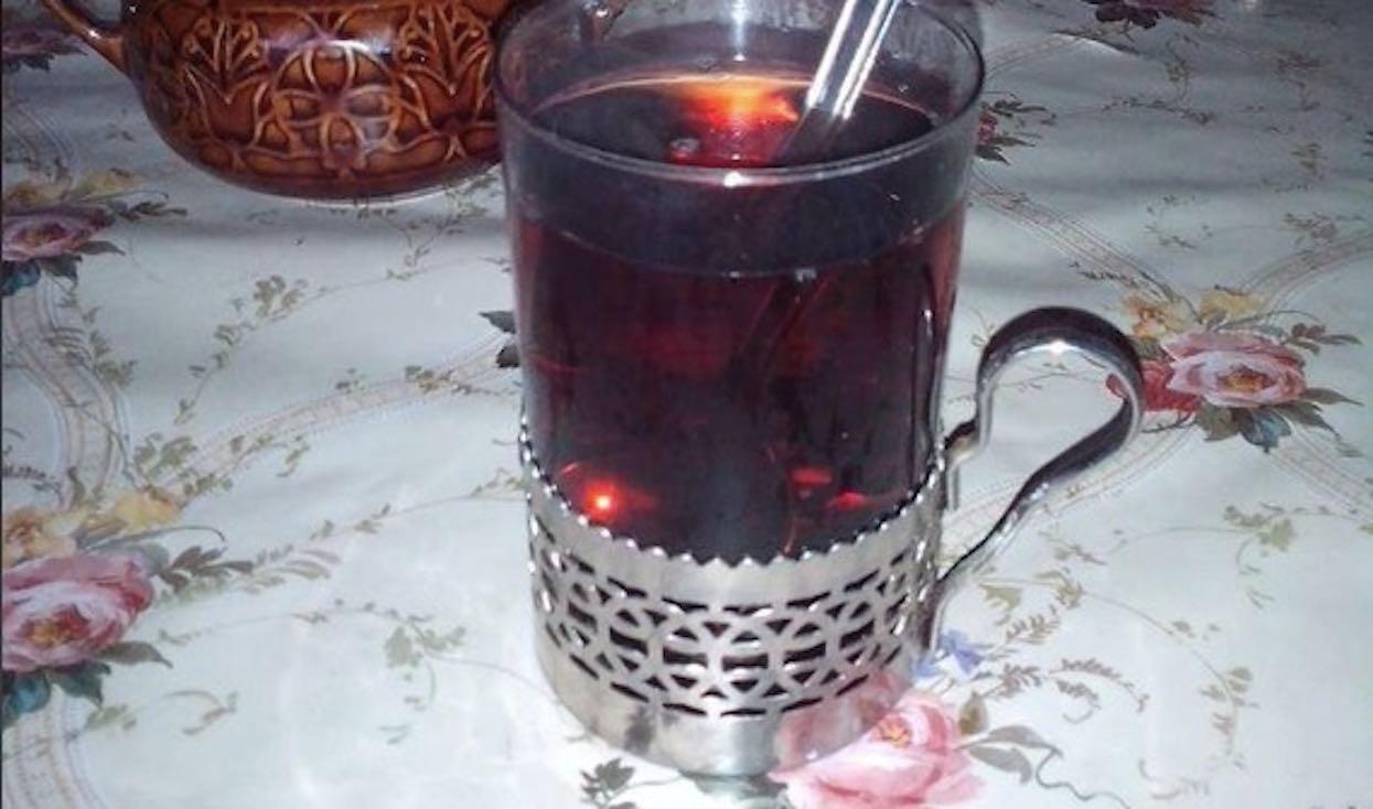 W PRL-u każdy pijał kawę w szklankach z koszyczkiem. Pamiętacie ten niezastąpiony gadżet?