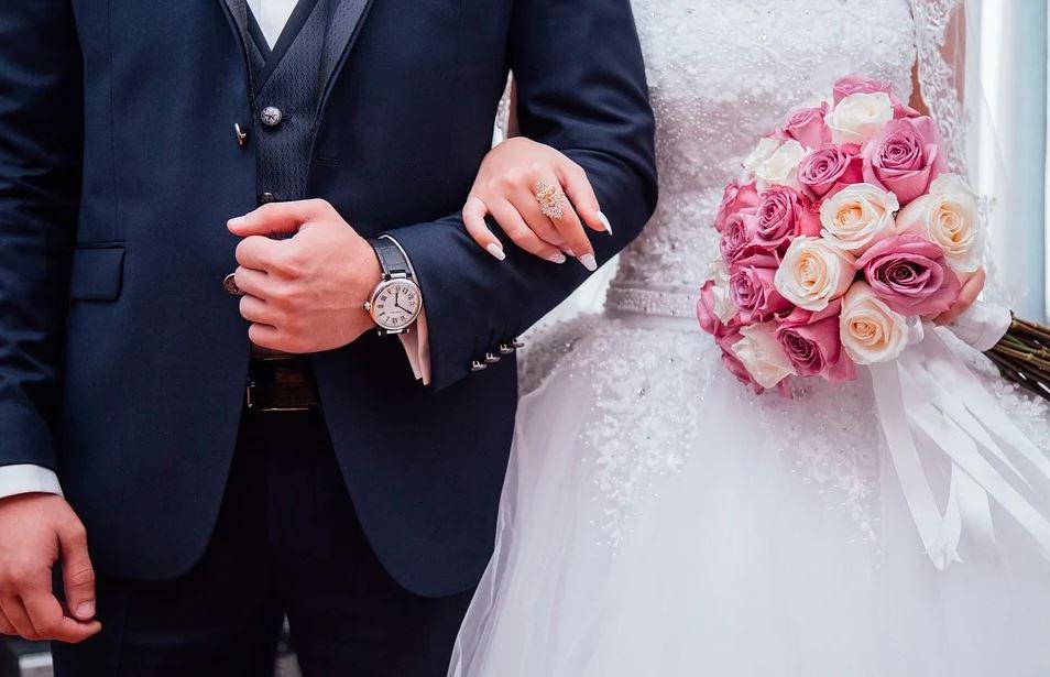 Marzena zaczęła po weselu otwierać koperty od gości. Zawartość jednej z nich rozłożyła ją na łopatki, niewiarygodne