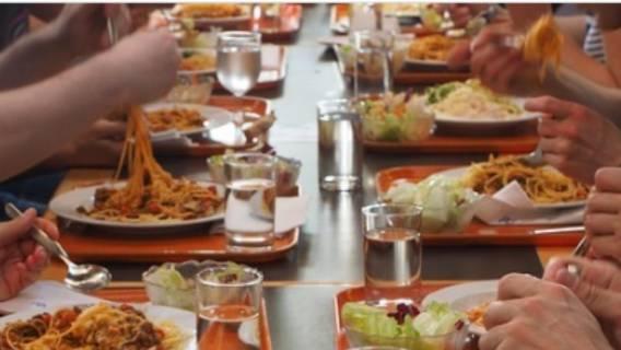 Darmowe posiłki dla dzieci w szkołach