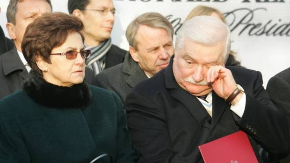 Lech Wałęsa jest zły na żonę