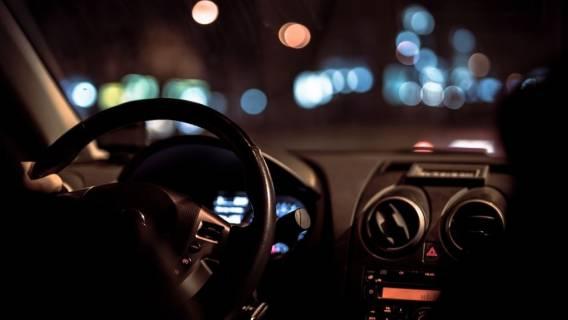 prawo jazdy kobieta parking demolka