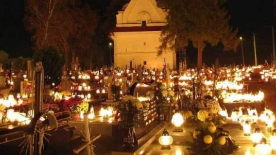 Cmentarze zostają otwarte, nikt nie dostanie mandatu. Prezydent miasta podjął decyzję, jest dobitny komunikat