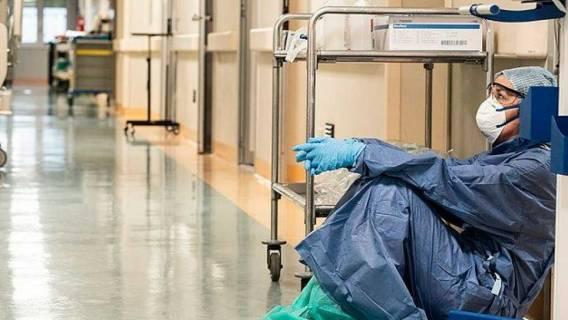 lekarze COVID-19 poważne konsekwencje zdrowotne