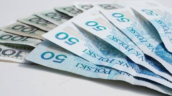 Rodzice załamywali ręce, pojawiła się nadzieja na dodatkowe pieniądze. Premier postawił jeden warunek