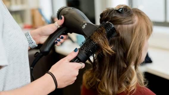 Salon fryzjerski powinien zostać zamknięty