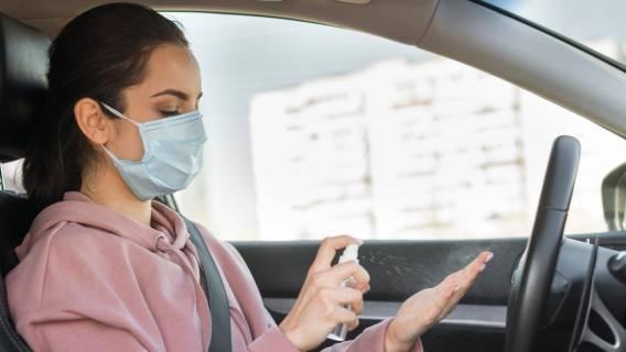 Maseczki w samochodzie powinny być noszone?