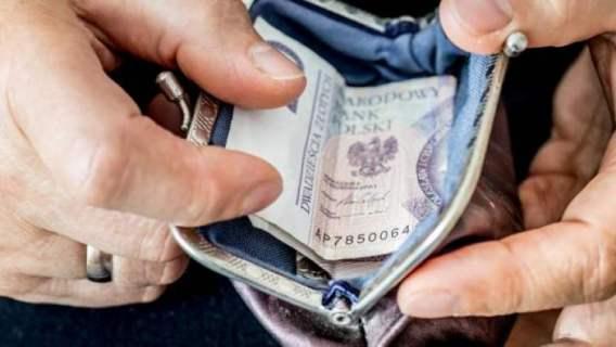 Fatalne wieści dla emerytów. ZUS może zmniejszyć lub zawiesić emeryturę, zmieniły się ważne progi