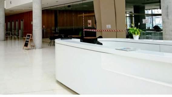 Hotel przyjmował gości pomimo zakazu prowadzenia działalności