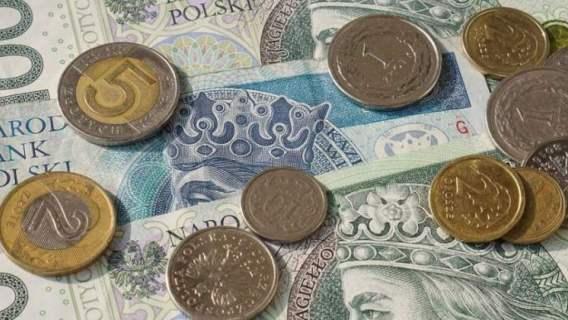 Seniorzy dostaną dodatkową wypłatę. Minister podała konkretną kwotę