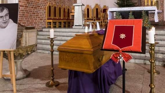Pogrzeb o. Macieja Zięby