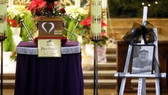 """Niebywałe sceny na pogrzebie Marka ze """"Złomowiska PL"""". Gdy rodzina wyszła z kościoła, zaniemówiła"""