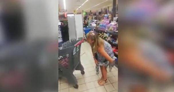 Kobieta ściągnęła majtki w sklepie