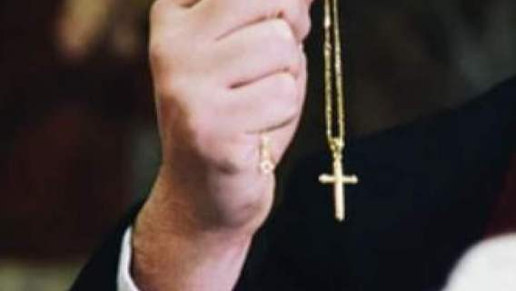 Ksiądz molestował co najmniej siedmioro dzieci