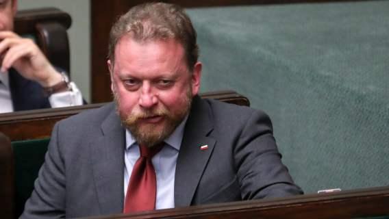 Łukasz Szumowski nagle zniknął. Dziennikarze dotarli do b. ministra