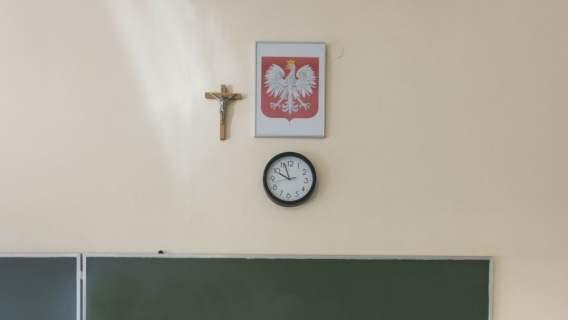 Zbigniew Ziobro chce konsekwencji dla nauczycielki, która zdjęła krzyż ze ściany