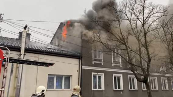 Pożar kamienicy pod Warszawą