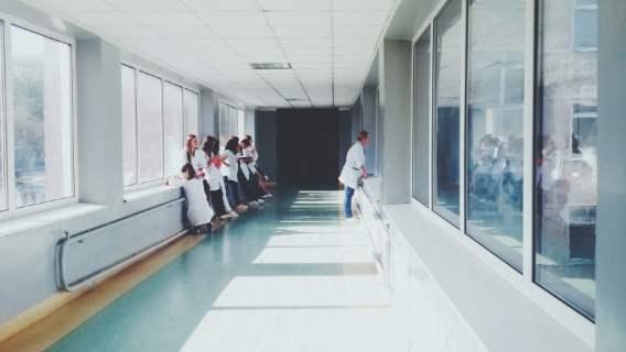 szpital odpowiednie służby