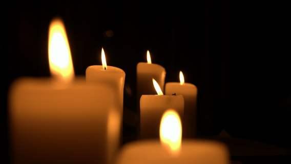 Płonące świeczki