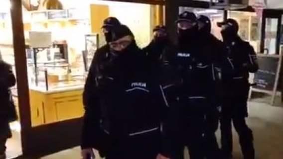 Babcia Kasia i policjanci
