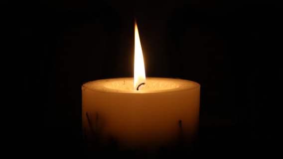 Zapalona świeczka