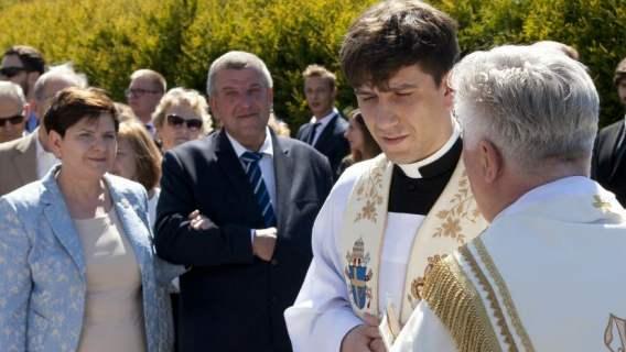Ksiądz stwierdził, co działo się z synem Beaty Szydło. Wszystko w czasie pierwszego kazania na Jasnej Górze