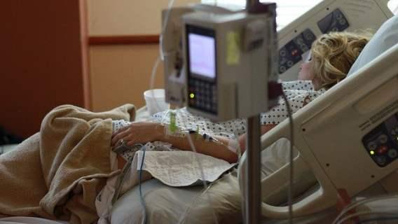 Pacjentka szpitala tymczasowego zdradziła, co wyrabia się w placówce